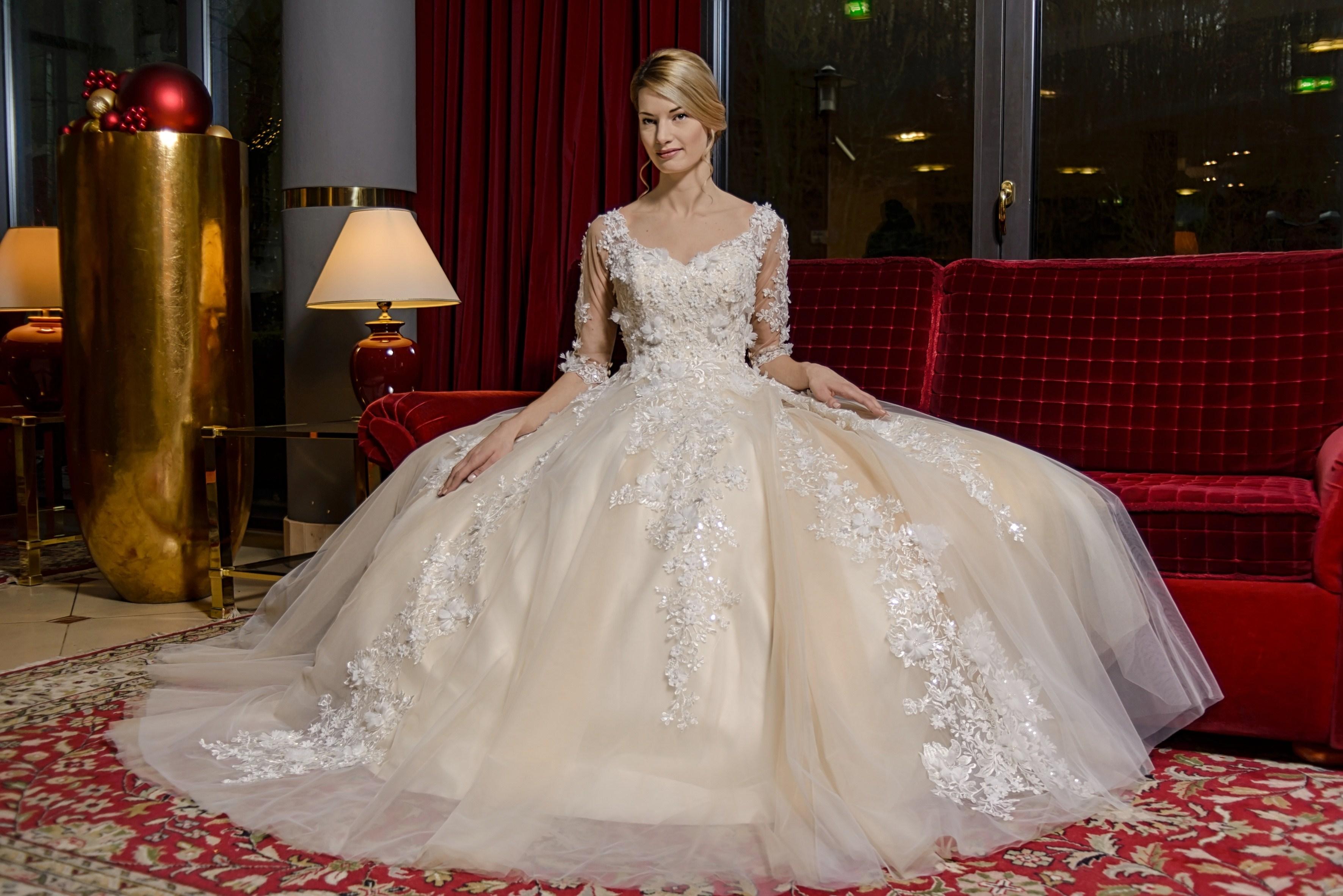 Ungewöhnlich Prom Anzüge Verleih Galerie - Hochzeit Kleid Stile ...